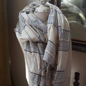 A&F soft striped stark with sequin details EUC
